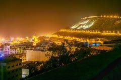 Przegląda wzgórze na plaży w Agadir mieście przy nocą, Maroko Obrazy Royalty Free