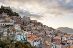 Przegląd antyczny Sycylijski miasteczko obrazy royalty free