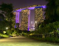 Przejścia piękny światło buduje marina zatoki Singapore fotografia royalty free