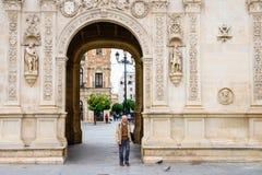Przejście podziemne przy historycznym urząd miasta w Seville, Hiszpania obraz stock