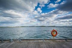 Przejście wzdłuż Jeziornego Ontario przy Harbourfront i, Obrazy Royalty Free