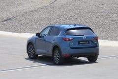 Przejażdżka drugie pokolenie restyled Mazda CX-5 skrzyżowanie SUV Fotografia Stock