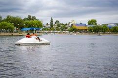 Przejażdżka na jeziorze Zdjęcie Royalty Free