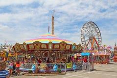 Przejażdżki na Midway przy Indiana stanu jarmarkiem zdjęcia royalty free