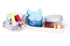 Przejrzyści plastikowi odbiorcy lub zbiorniki z handmade suppl Fotografia Royalty Free