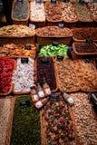 Przekąska kram przy losem angeles Rambla wprowadzać na rynek Barcelona zdjęcia royalty free