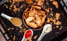 Przekąsza dla przyjęcia, zdrowi układy scaleni z tortilla, nachos z sa Obrazy Royalty Free