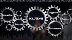 Przekładnia z słowem kluczowym, badanie, propozycja, rozwój, innowacja, sukcesu biznesmena dotyka ekranu 'rozwiązania ilustracji