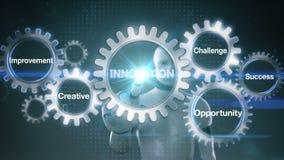 Przekładnia z słowem kluczowym, wyzwanie, sposobność, Kreatywnie, ulepszenie, sukces, robot, cyborga macania ekranu ` innowaci ` royalty ilustracja