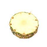 Przekroju poprzecznego ananasowy plasterek odizolowywający Zdjęcia Royalty Free