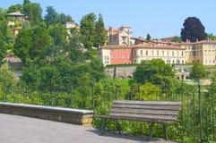Przelotne spojrzenie Bergamo, wysoki miasteczko Fotografia Royalty Free