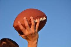 przelotny futbol amerykański rozgrywający Obrazy Stock
