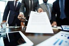 Przelotny kontrakt partner biznesowy zdjęcia royalty free