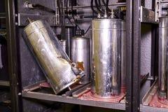 Przemysłów elektryczni kondensatory Łamanego przemysłu elektryczny kondensator zdjęcia royalty free