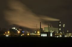 Przemysł przy nocą Zdjęcia Royalty Free