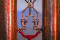 Przemysłowe groszak baryłki dla silnych napojów Błyszczące metal drymby, zdjęcie stock