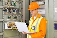 Przemysłowego inżyniera laptop zdjęcia stock
