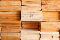 Przemysłowi podeszczowego drzewa chamcha lub drewna miękkiego drewniani zakłady przetwórczy Obrazy Royalty Free