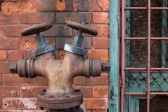 Przemysłowy abstrakt z Pożarniczym hydrantem Obraz Stock