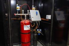 Przemysłowy automatyczny gaśniczy system, gabinet z balonem pożarnictwo piana, azot i kontrolna jednostka, zdjęcia stock
