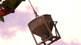 Przemysłowy Dźwigowy działanie i udźwigu cementowy zbiornik zdjęcie wideo