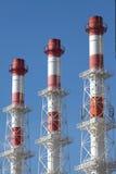 Przemysłowy dym piszczy diagonalnego widok Fotografia Stock
