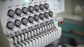 Przemysłowy hafciarski wyposażenie Tekstylna hafciarska maszyna w szata wytwórcach zbiory
