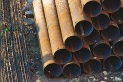 Przemysłowy materiał budowlany - drymby brogować w ostrosłupie zdjęcia stock