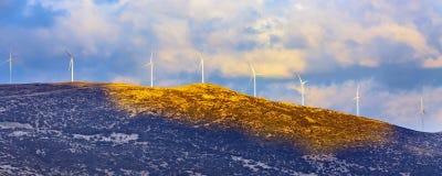 Przemysłowy pojęcie, farm wiatrowych turbin sztandar zdjęcie royalty free