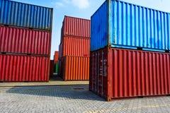 Przemysłowy port z zbiornikami w ładunku Obrazy Stock