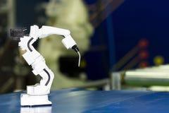 Przemysłowy spawka robota ręki model fotografia stock