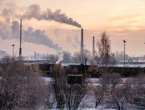 Przemysłowy sterta kłąb dym zdjęcie stock