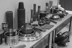 Przemysłowy tokarki narzędzie i dużej precyzi cnc obraca części dużej precyzi automobilowa machining foremka i kostka do gry częś Obraz Royalty Free