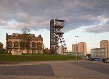 Przemysłowy widok stary mineshaft w Katowickim mieście Polska obraz royalty free