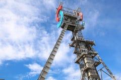 Przemysłowy widok stary mineshaft w Katowickim mieście Polska fotografia stock