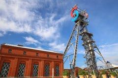Przemysłowy widok stary mineshaft w Katowickim mieście Polska zdjęcie royalty free