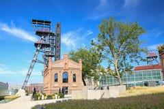 Przemysłowy widok stary mineshaft w Katowickim mieście Polska obrazy stock