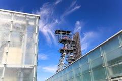 Przemysłowy widok stary mineshaft w Katowickim mieście Polska obraz stock