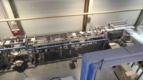 Przemysłowy wnętrze, produkcja ceramiczne płytki, nowożytny fabryczny wnętrze, konwejer, Przemysłowa powierzchowność zdjęcie wideo