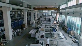 Przemysłowy wnętrze wśrodku wielkiej Chińskiej fabryki Nowożytny roślina widok z lotu ptaka zbiory wideo
