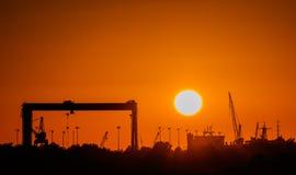 Przemysłowy wschód słońca, zmierzch/ Fotografia Royalty Free