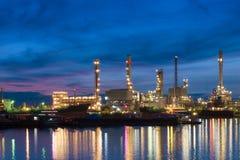 przemysłu nafciana zakład petrochemiczny rafineria Zdjęcie Royalty Free
