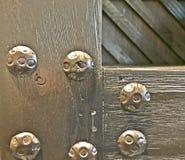 Przemysłowy drewniany wizerunek z wielkimi ryglami Obrazy Royalty Free