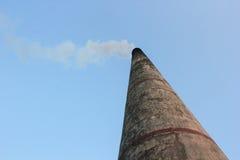 Przemysłowy Kominowy bielu dym Zdjęcie Stock