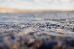 Przepływ wody zakończenie up fotografia stock