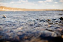 Przepływ wody zakończenie up obrazy stock