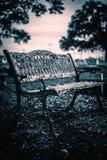 Przerażająca ławki fotografia że nabierałem cmentarz To strzelał był dobry dla horrory odnosić sie projektów zdjęcie royalty free