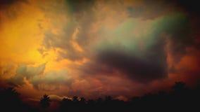 PRZERAZIĆ chmury BURZA PRZYBYWAJĄCA obrazy stock
