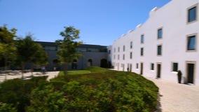 Przesłanki Cascais cytadela, biali budynki i podwórze na słonecznym dniu, podróż zbiory wideo