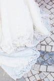 Przesłona panna młoda na kamiennym antycznym moscie obrazy stock